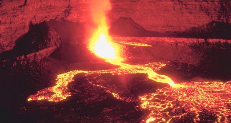 A taxa de fluxo da lava pode ser medida em galões ou litros por minuto