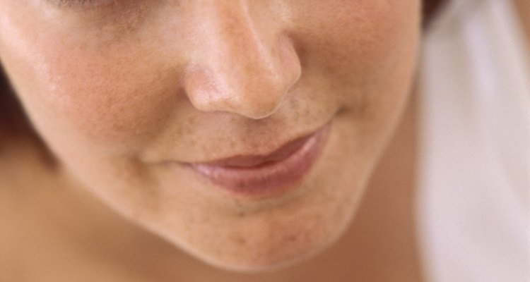 Debes buscar un armazón un poco más ancho o igual a la parte más ancha de la cara.