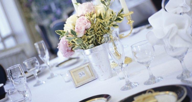 Table at wedding reception, close-up