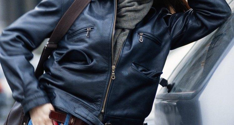 Completa tu conjunto con un saco o una chaqueta.