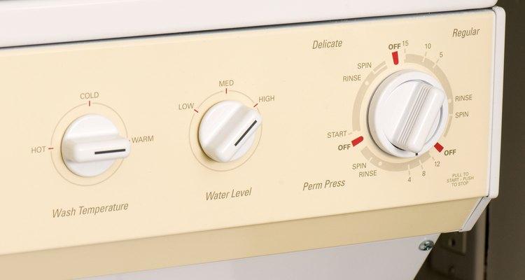 O calor da máquina de lavar matará todas as pulgas presentes em suas roupas