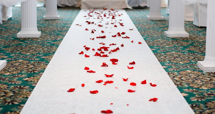 Rosy path to be married, wedding ceremony