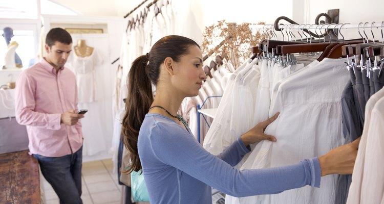 Os consumidores escolhem cada vez mais roupas que são multifuncionais e socialmente responsáveis