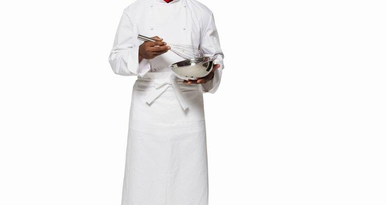 La gente a menudo comienzan esta carrera como un cocinero o un camarero.