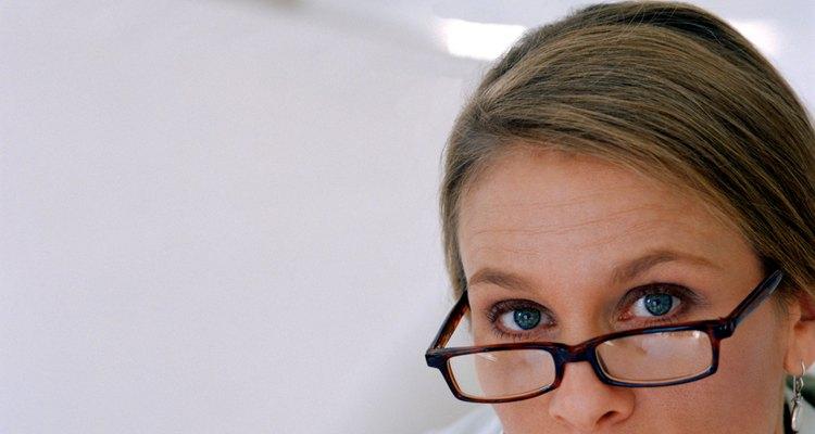 Repara las rayaduras en los lentes anti-reflejo.