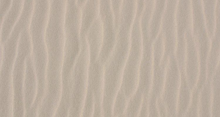 O solo arenoso contém menos coloides que têm uma grande área de superfície