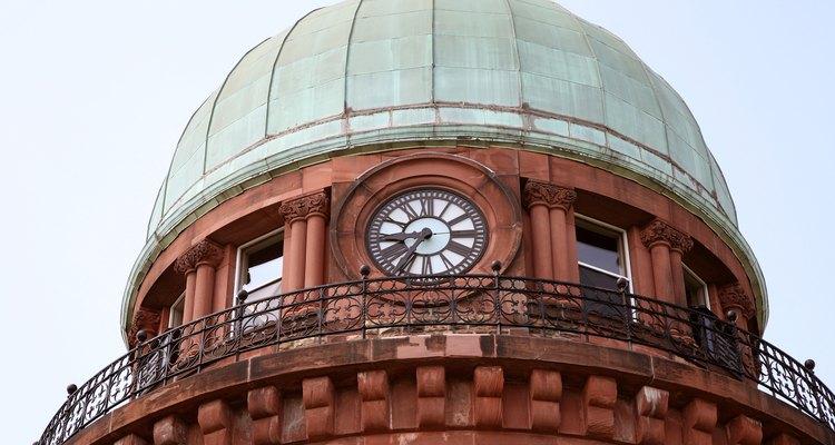 As cúpulas são muitas vezes usadas em prédios devido à estrutura estável que fornecem