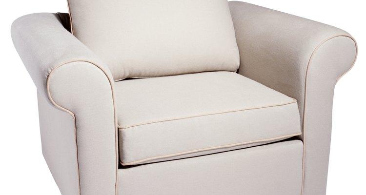 Sigue atentamente las instrucciones para retapizar muebles con éxito.