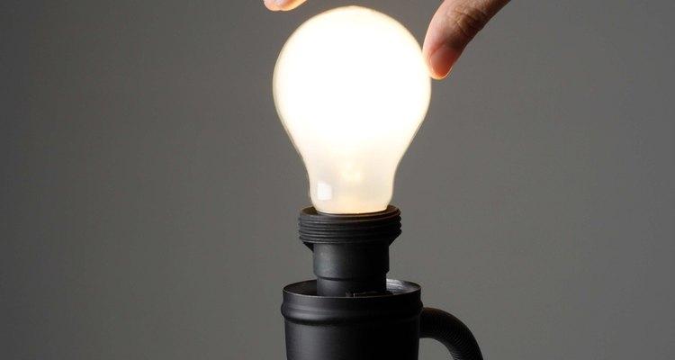 La luz de longitud de onda baja necesita menos fotones para transportar energía.