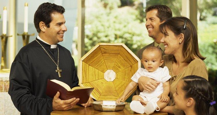 El bautismo de un niño es un tiempo de celebración.