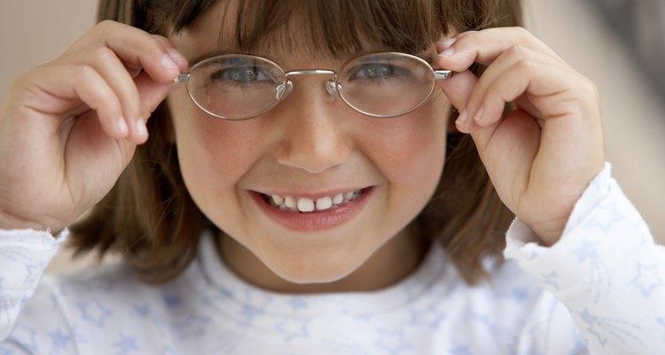 Mantenha seus óculos conservados e limpos com produtos simples e fáceis de encontrar