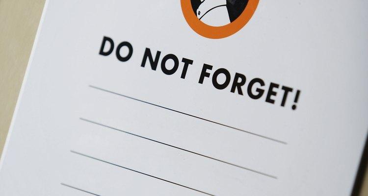 Desarrollar el hábito de hacer listas puede ayudar a tu adolescente a ser menos olvidadizo.