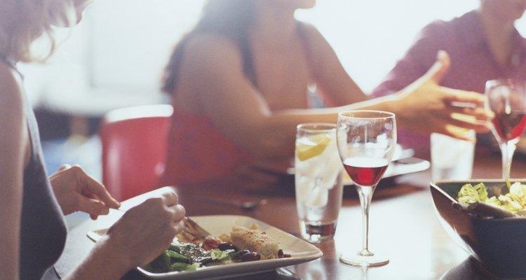 Hagan una comida especial para disfrutar juntas.