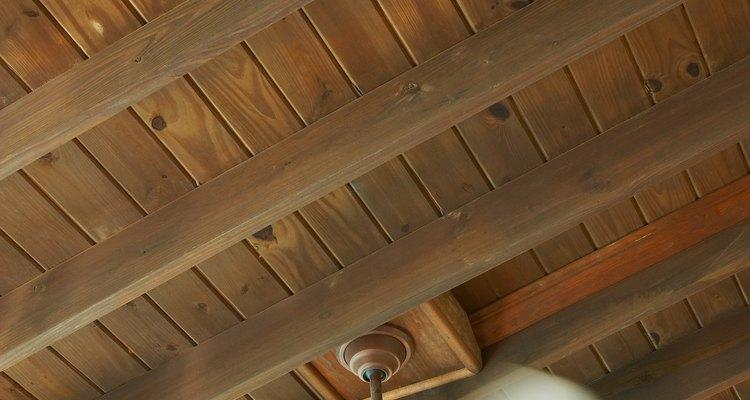 Para lubrificar um ventilador de teto não é necessário desmontá-lo
