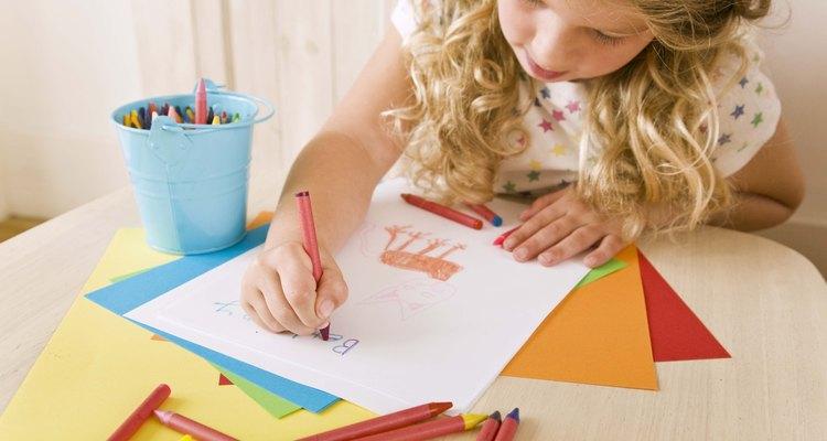 El arte ayuda con el desarrollo de las habilidades motrices.