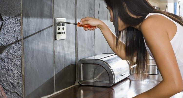 Aprenda a instalar azulejos de cerâmica em uma parede de gesso acartonado