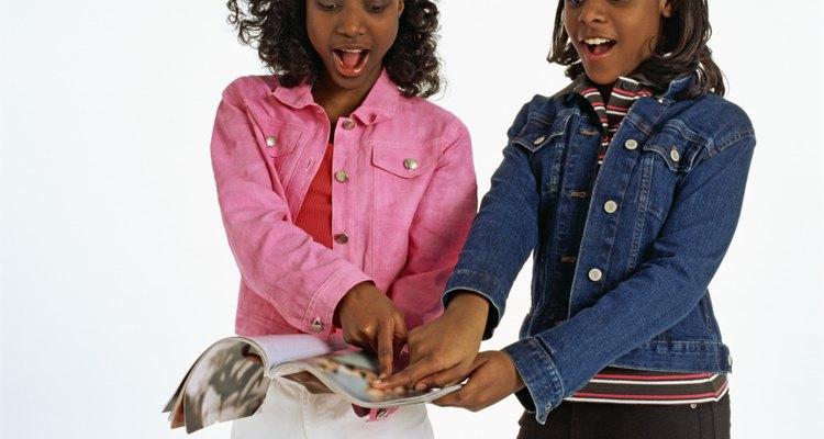Según el psicólogo del desarrollo Erik Erikson, la fase de la adolescencia generalmente comienza alrededor de los 11 o 12 años de edad.