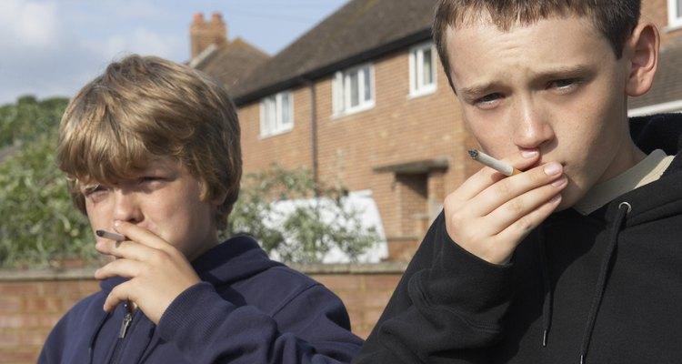 Las conductas negativas en los niños a menudo indican un problema emocional o psicológico subyacente más generalizado.