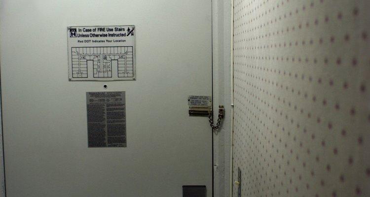 Encontre o tipo da tranca antes de começar a tentar abrir a fechadura