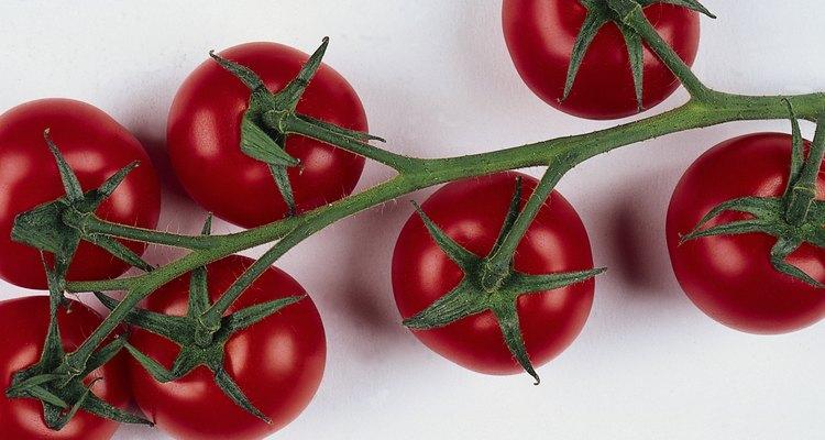 El tomate en su justa medida potencia el sabor de la sopa.