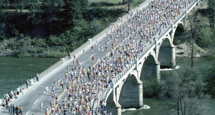 Los corredores que se preparan para una carrera simulan las colinas usando mapas de elevación.