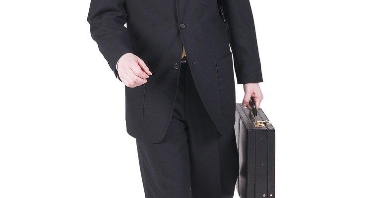 Um  terno masculino de boa qualidade é um investimento