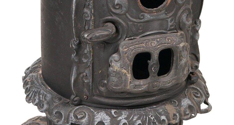 Devolva a um fogão a lenha de ferro velho a sua beleza original
