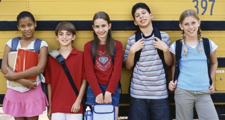 Existen muchos efectos del crimen y la violencia en los niños escolares.