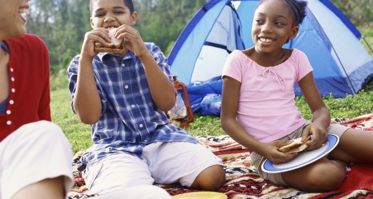 Ideias engraçadas para enquetes são ideais para crianças em férias de verão