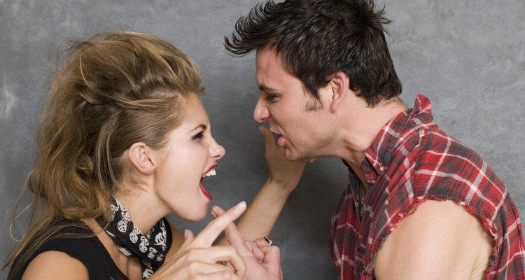 No interrumpas cuando la otra persona está hablando.