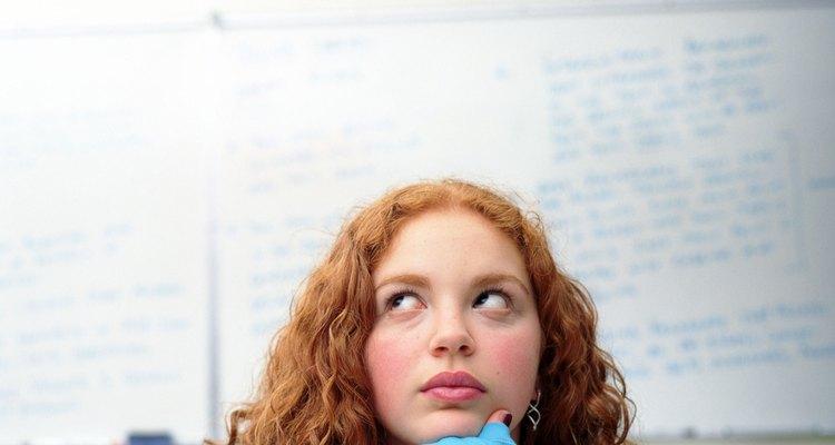 La resolución de problemas es una función cognoscitiva que aún se encuentra en desarrollo en los adolescentes.