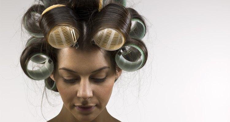 Use artigos profissionais para ajudar a manter o cabelo cacheado