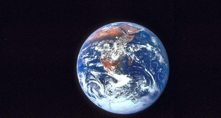 Saiba como incorporar um arquivo KML no Google Earth para criar um anel de raio