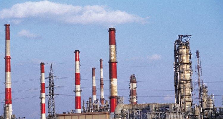 El anuncio de la expropiación petrolera emocionó al pueblo de México.