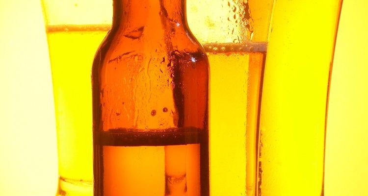Esconde el embarazoso aliento a cerveza con refrescantes de aliento.
