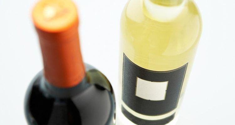 Tanto el vino tinto como el blanco complementan el cerdo.