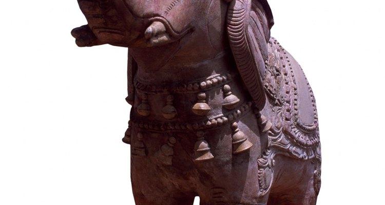 Cosecha inteligencia, sabiduría, prudencia y dignidad al colocar un elefante en tu oficina.