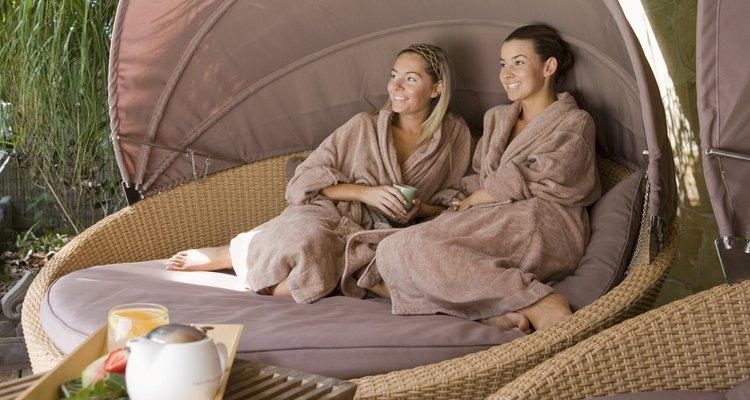 Puedes invitar a alguien a la sesión de spa para disfrutar de charlas.