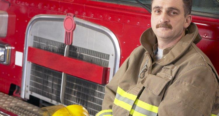 Trajes dos bombeiros são feitos com 100% de lã