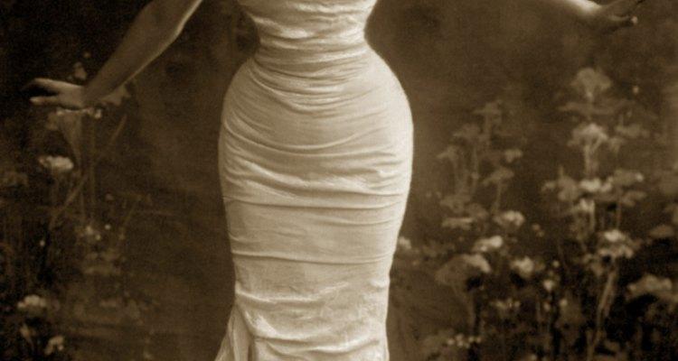 Fashion movements change through history.