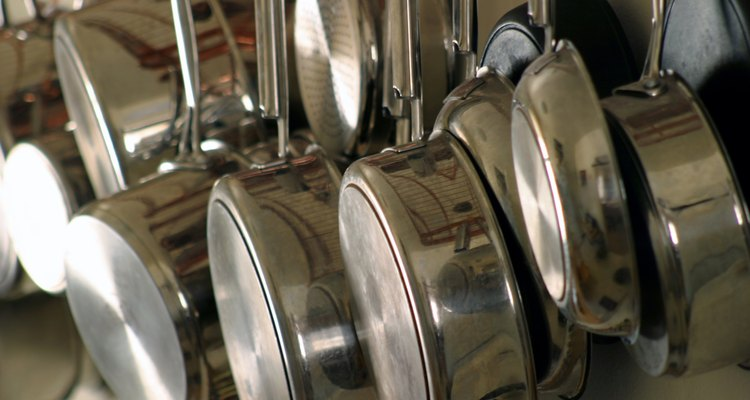 Hanging Pots and Pans 4