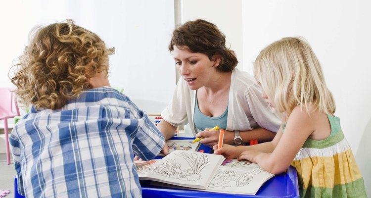 Las manualidades y actividades ayudan a los niños a aprender acerca de Colón y el descubrimiento de América.