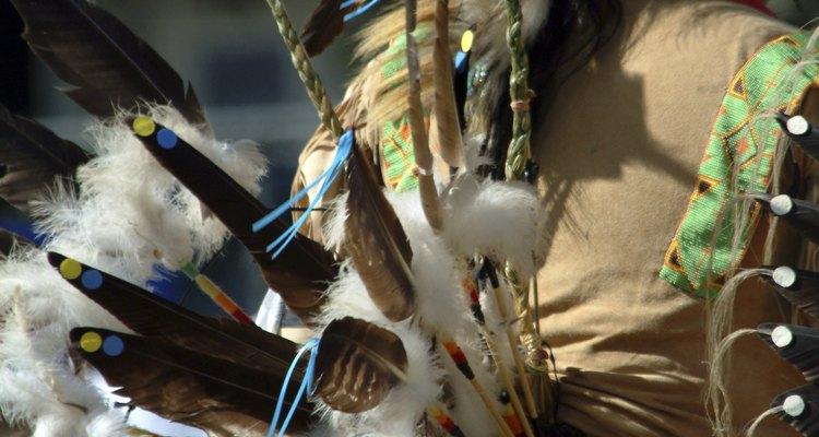 Los indios tenían varias armas y herramientas hechas a mano.