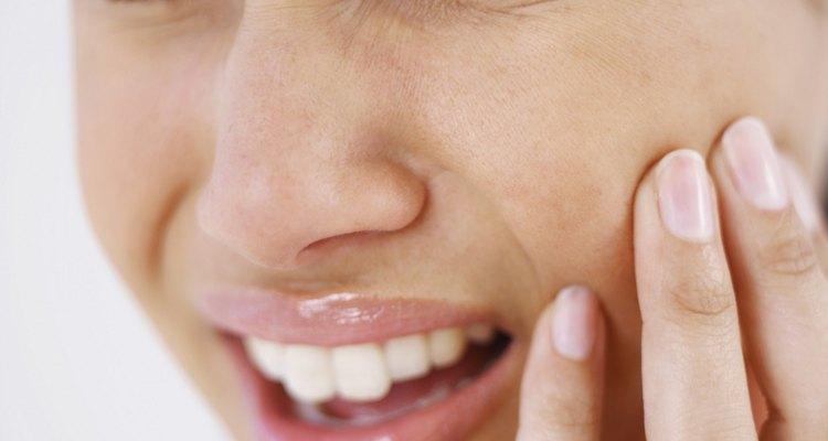 Sinais de que você precisa de um tratamento de canal dentário