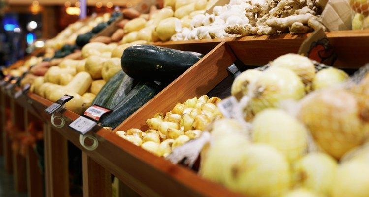 Las patatas y cebollas se deben guardar en lugares secos y oscuros.