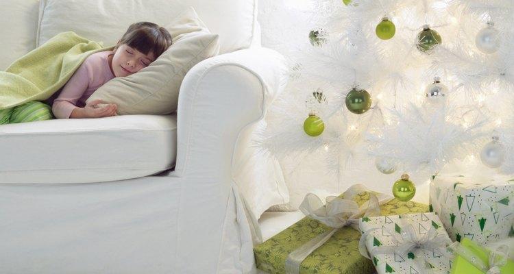 Limpia frecuentemente tu árbol, así lo mantendras blanco y brillante.