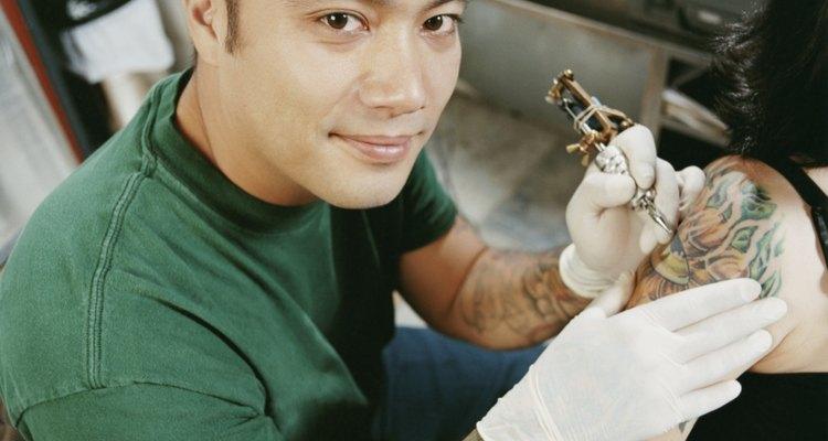 Tamanhos diferentes de bobinas são usados para completar as diferentes áreas da tatuagem