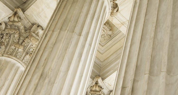 O estilo coríntio é a mais refinada das vertentes arquitetônicas gregas