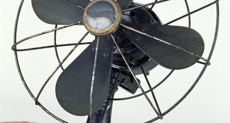 Use um ventilador do lado de fora para uma brisa refrescante e proteção adicional