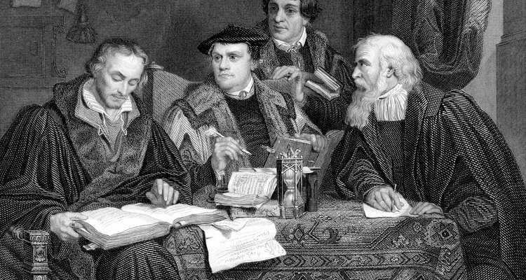 Tanto la Biblia de Estudio Reformada y el Estudio de la Biblia ESV reflejan la teoría de la Reforma Protestante.